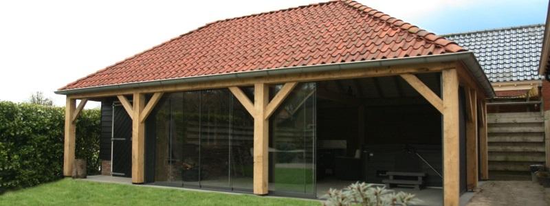 Houten veranda van hout