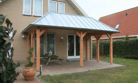 Houten veranda gommers houtbouw - Huis met veranda binnenkomst ...