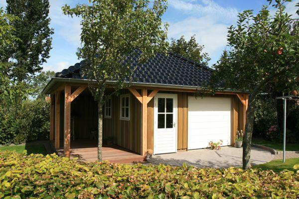 Red cedar berging met inpandige veranda gommers houtbouw for Berging met veranda